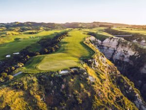 Golf Holiday worlds famous golf course Cape Kidnappers 5 star plus golfing best golfing holiday tours newzealand selfdrive small