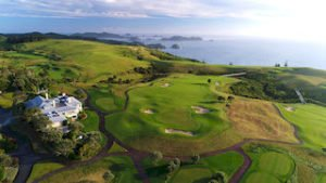 Golf luxury tours Kauri Cliffs world top golf course new zealand holiday self drive luxury golf sports exclusive holiday golfing