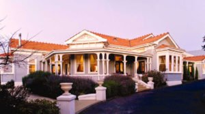 hotels napier mc hardy lodge selfdrive tours new zealand holiday booking nature tourism couples honeymoon eco freindly travel newzealand hawkes bay wine tours luxury