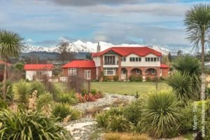 hotels te anau lodge self drive new zealand tour operator private tours guided small groups eco nature tourism
