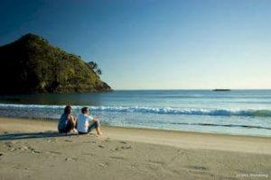 Auckland-MedlandsBeach-Neuseeland-Strand-Neuseelandurlaub-Mietwagenrundreise-Spezialist-Tagestourentours-neuseeland-rundreisen_320x240.jpg