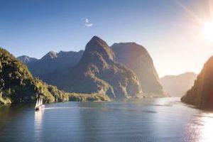 Milford-Sound-Fiordland-neuseeland-fjorde-rundreisen-kleingruppenreisen-privat-touren-deutsche-reiseleitung-neuseelandspezialst-auckland_320x240.jpg
