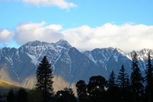 NZ_2004_13_QueenstownLakeCroneRange003-e1556624835100.jpg