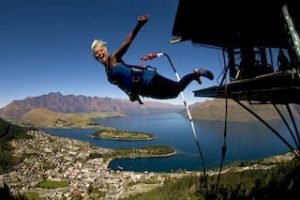 Queenstown Lake Wakatipu new zealand activities bungy self drive travel newzealand touring nature hiking adrenaline scenic tours destination management company auckland