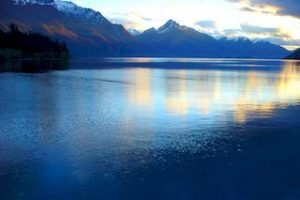 Queenstown-LakeWakatipu-travel-newzealand-holiday-tours-neuseeland-urlaub-reisen_320x240.jpg