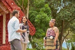 paihia-Waitangi-bayofislands-maori-newzealand-tour-neuseeland-haka-urlaubsreisen_320x240.jpg